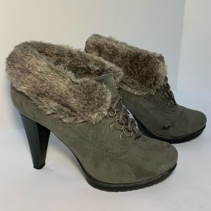 Limelight Vail Suede and Faux Fur Lace-up Boots 6